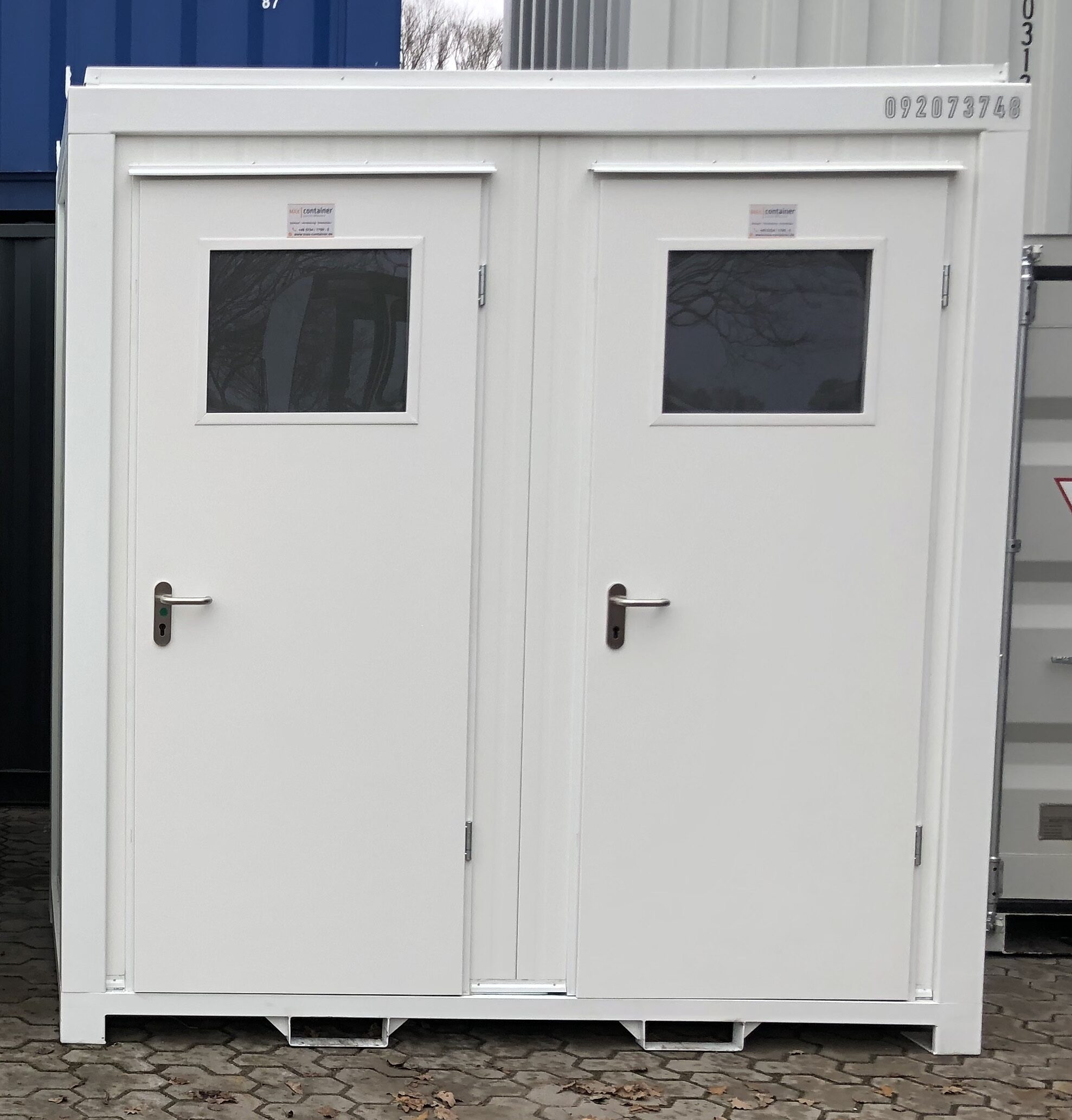 8 ft WC